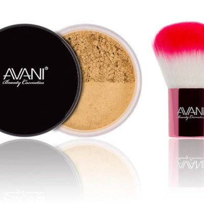 Tan foundatuon & kabuki brush set