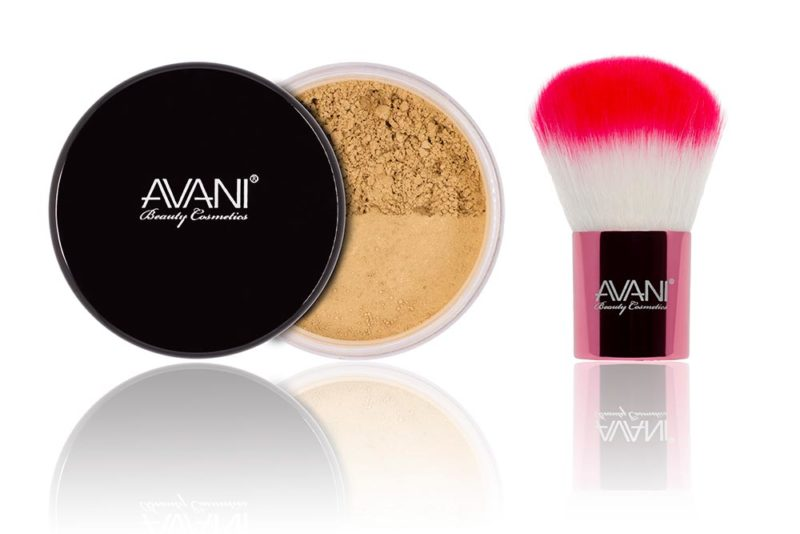 Tan foundation & kabuki brush set